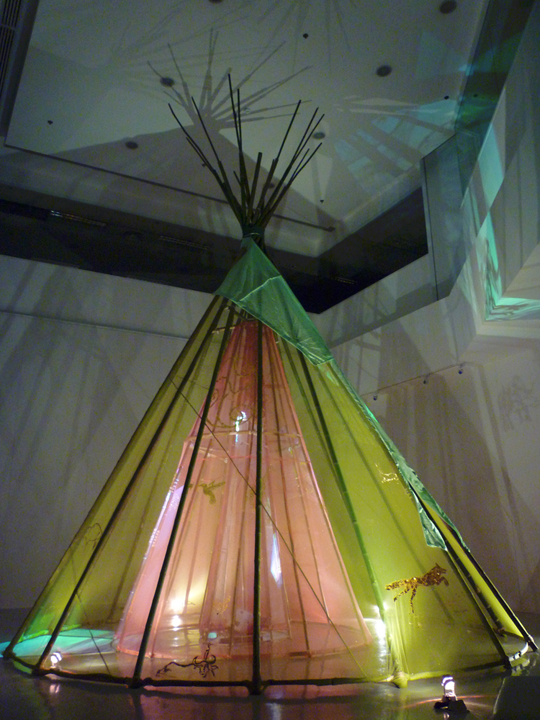 projection, bamboo, mosquito-net, gold-leaf